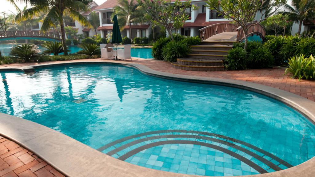 permessi e documenti piscina